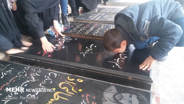 People pay homage to Martyr Gen. Soleimani's tomb on Islamic Revolution victory anniv.
