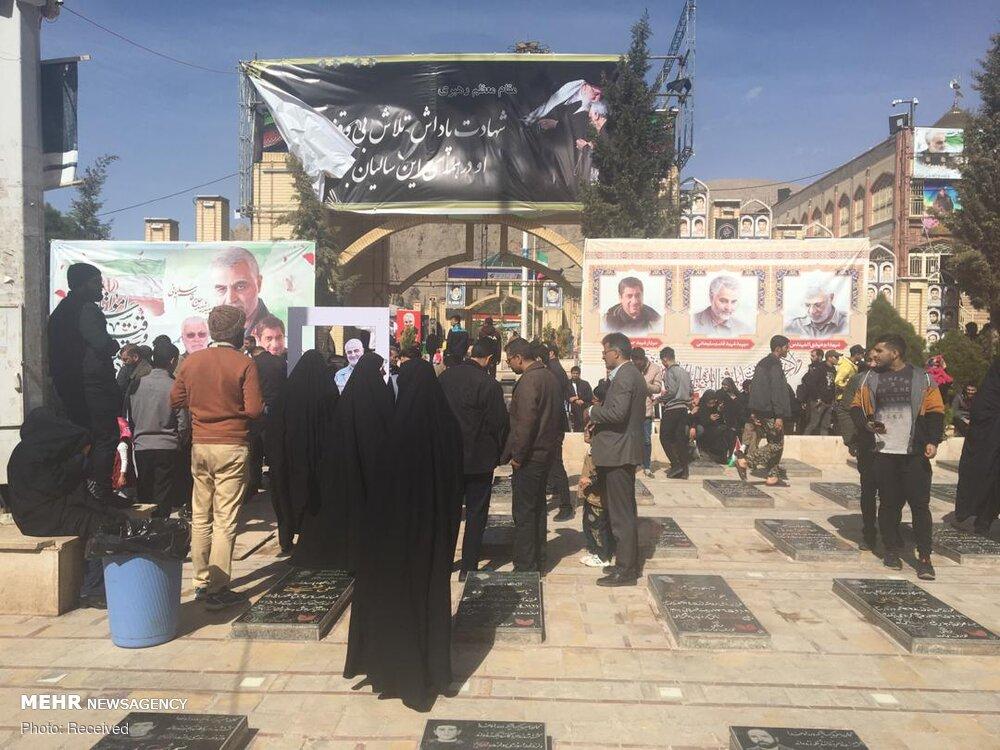 زیارت مزار شهید سلیمانی در سالروز پیروزی انقلاب