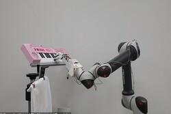 ساخت بازوی بیونیکی که پیانو می زند