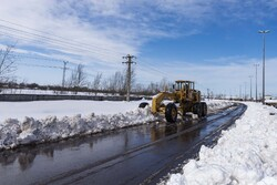 بارش برف راه ۲۲۰ روستا را مسدود کرد