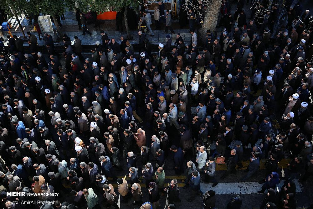 مراسم تشییع و تدفین پیکر آیت الله طبرسی در ساری