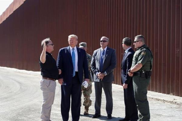 سهم ۴ میلیارد دلاری پروژه دیوار مرزی مکزیک از بودجه نظامی آمریکا