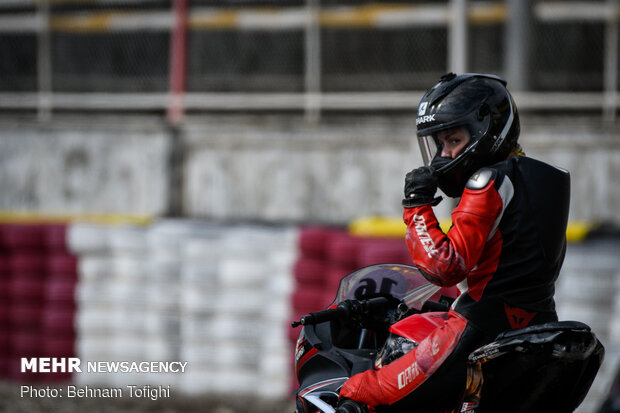 Female motor racing event in Tehran