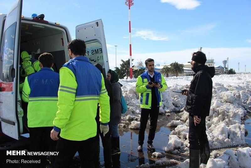 نجات مصدوم سقوط بهمن در رشته رود رودبار