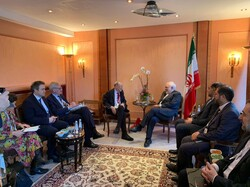 Zarif holds meeting with ECFR's members