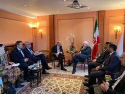 ظريف يلتقى بأعضاء لجنة العلاقات الخارجية في الاتحاد الاوروبي