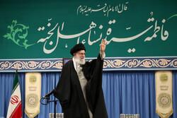 قائد الثورة الاسلامية يستقبل حشداً من الشعراء ومدّاحي اهل البيت (ع)