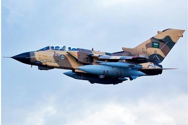 طيران العدوان السعودي يشن غارات على 4 محافظات يمنية