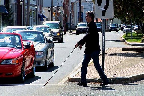 20 yıldır görme engelli olan adam bir arabanın çarpmasıyla yeniden görmeye başladı