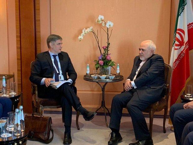 لقاء ظريف ونظيره الاوكراني يتمحور حول سقوط الطائرة الاوكرانية في طهران