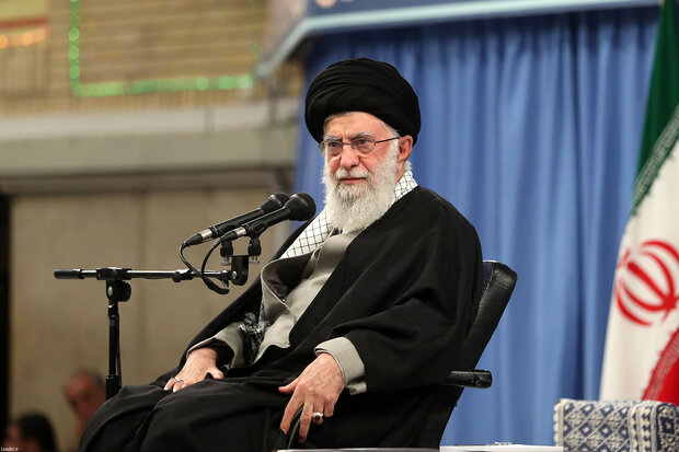 Leader hails services of Iranian medical staff in combat against coronavirus