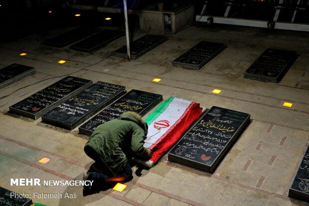 غروب جمعه در گلزار شهدای کرمان