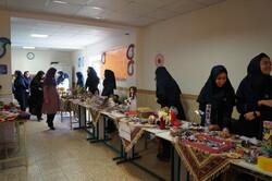 بازارچه کسب و کار دانش آموزی در قروه راه اندازی شد