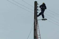 شبکه برق در سراسر کشور پایدار است/ برق تمامی روستاهای سیل زده لرستان و ایلام وصل شد