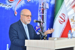 Promoting domestic production a 'must' in the sanctions era: Zanganeh