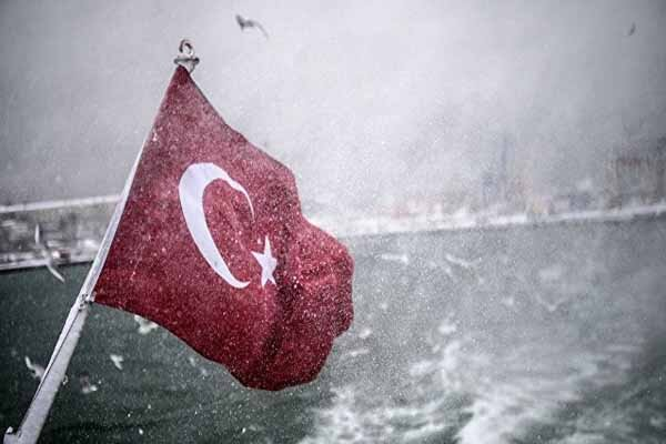 کشتی ترکیه حامل سلاح در طرابلس هدف قرار گرفت و درهم شکست
