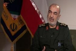 """قائد الحرس الثوري: الشهيد """"قاسم سليماني"""" كان سيد القلوب"""