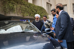 Rouhani unveiled 4 new, optimized domestic cars
