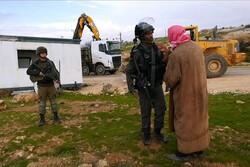 İsrail El Halil'de bir okula ait konteyner sınıfa el koydu