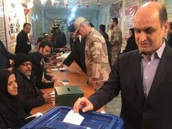 استاندار گلستان رأی خود را به صندوق انداخت