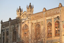 Gothic style of Saraye Roshan (PHOTO: Sepideh Sadafi / Wikimedia Commons)