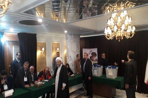 آملی لاریجانی رای خود را به صندوق انداخت