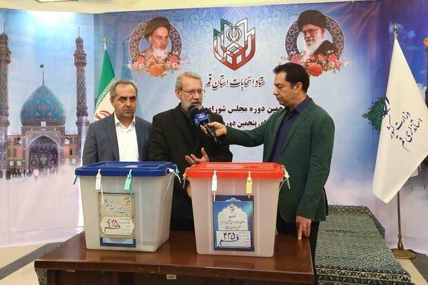 شرکت در انتخابات پشتیبانی سیاسی و امنیتی از نظام است