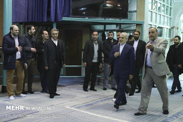 مشاركة المسؤولين الايرانيين في الانتخابات التشريعية