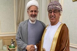 Iran, Oman review medial cooperation