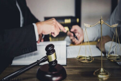 دست «رد» سازمان سنجش بر انحصار در بازار وکالت/ معیار طرح مجلس برای آزمون وکلا علمی است