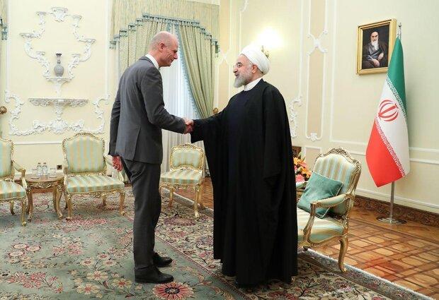 لقاء الرئيس الإيراني بوزير الخارجية الهولندي