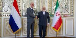 Dutch Foreign Minister Stef Blok and Mohammad Javad Zarif