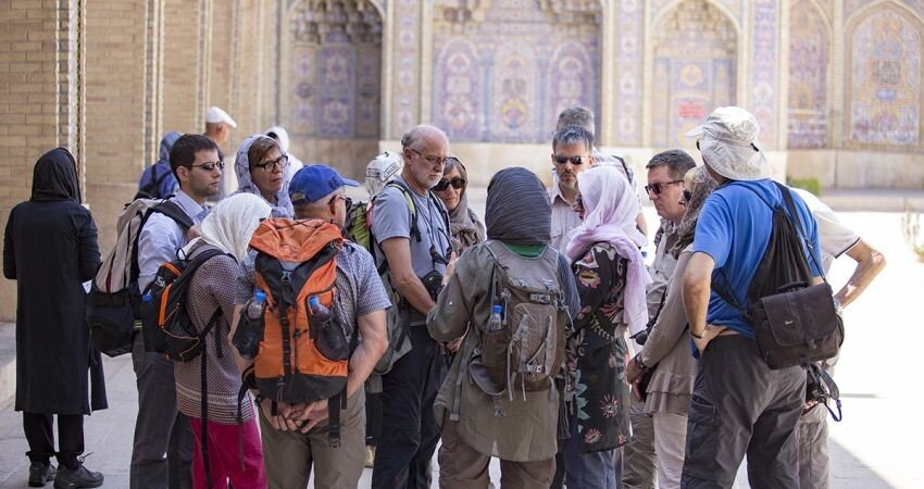 Iranian tour guides 'messengers of peace and friendship': minister