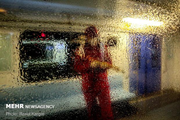 التعقيم الليلي لخطوط قطار مشهد
