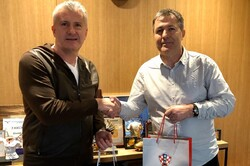 Team Melli coach meets with Croatian football head