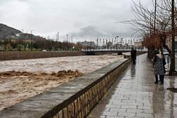 مردم از تردد و اسکان در حاشیه رودخانهها خودداری کنند