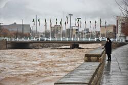 آزاد سازی ۲۷۰ کیلومتر از بستر و حریم رودخانههای لرستان تا پایان امسال