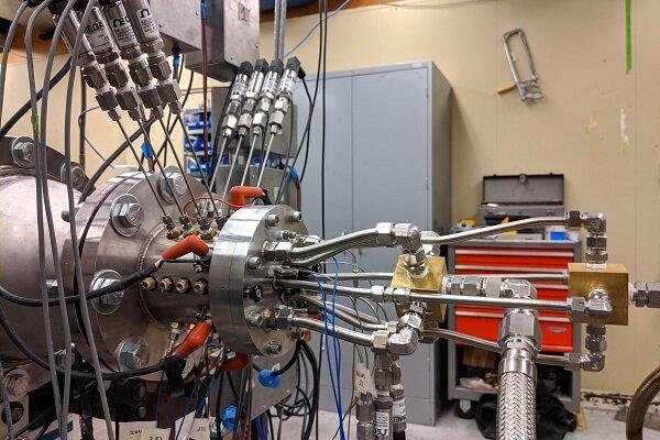تولید موتور سبک و ساده راکت با مدل سازی رایانهای