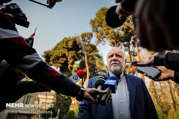 Iran will not surrender to US pressures: Oil Min.