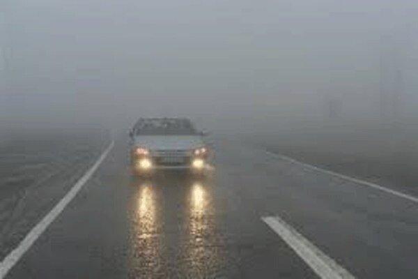 قزوین اور زنجان شاہراہ پر شدید برف باری