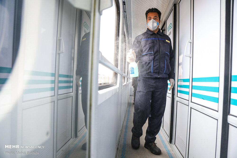 تمهیدات جلوگیری از شیوع کرونا در ایستگاه راه آهن قم