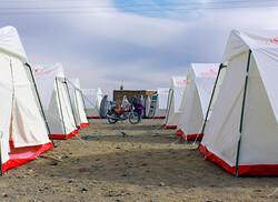 امدادرسانی به ۱۵هزار نفر در خوی/توزیع ۵هزار چادر میان زلزلهزدگان