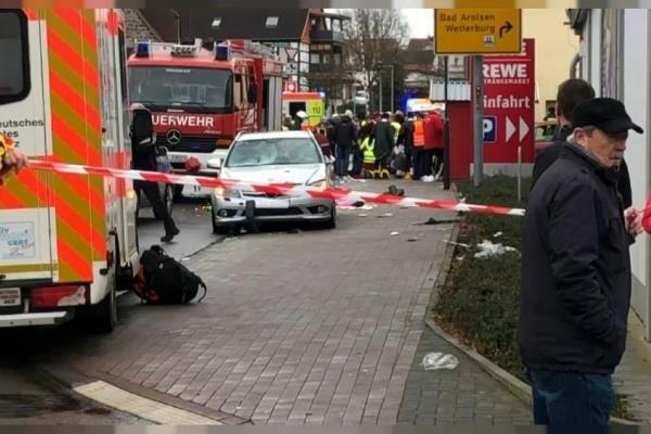 افزایش شمار مجروحان حادثه رانندگی در آلمان/۶۰ تن زخمی شدند