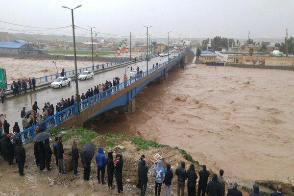 فیلمی از حجم سیلاب عبوری از رودخانه «کشکان» در پلدختر