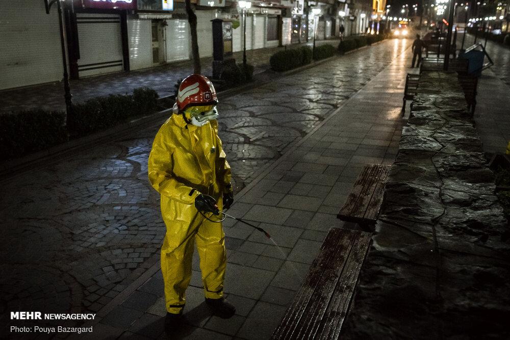 ضد عفونی اماکن عمومی توسط آتشنشانان رشت
