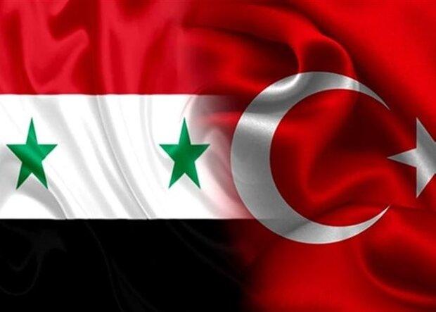 القوات التركية تستهدف طائرتين سوريتين والطيارون هبطوا بسلام