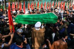 قم میں 11 مدافع حرم شہیدوں کی تشییع جنازہ
