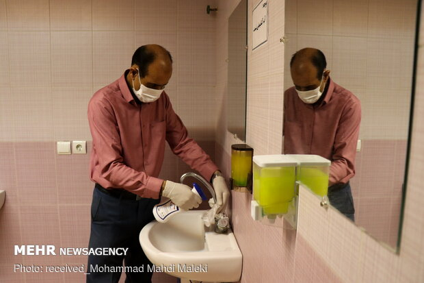 Hygienic measures to disinfect public places in Shahreza
