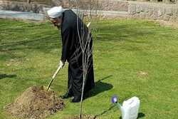 Pres. Rouhani plants saplings to mark Arbor Day