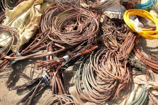 اکثر سیمهای برق واحدهای تجاری گلستان فرسوده است